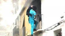 Migrante salva disabile da un incendio e diventa eroe nazionale