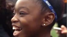 Serena Williams Compliments Fan's Necklace And Her Reaction Is Gold