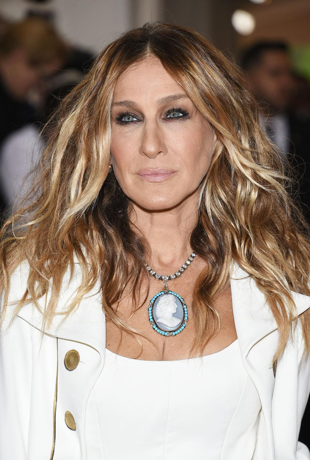 Sarah Jessica Parker S Metallic Makeup For The 2016 Met Gala