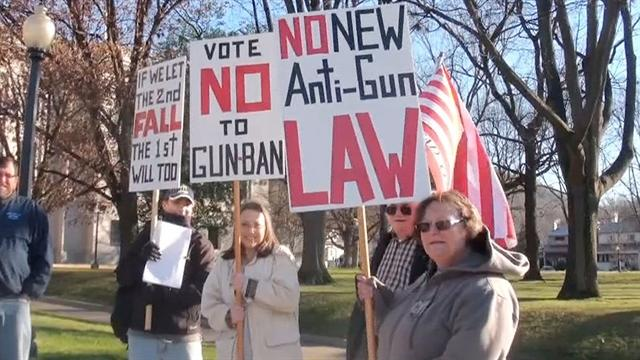 Gun rights advocates ready to fight assault weapons ban