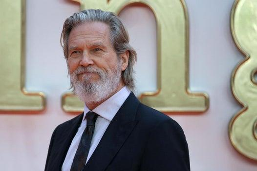Jeff Bridges diagnosed with cancer: star of Big Lebowski starts treatment for lymphoma