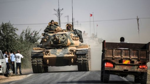 More Turkish tanks head to Syria after IS-held town seized
