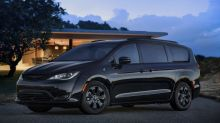2019 Chrysler Pacifica Hybrid minivan gets sinister S package