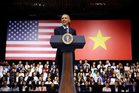 U.S. President Barack Obama attends a town hall meeting with members of the Young Southeast Asian Leaders Initiative (YSEALI) at the GEM Center in Ho Chi Minh City, Vietnam May 25, 2016. REUTERS/Carlos Barria