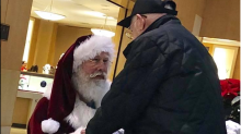 Santa takes a knee for 93-year-old veteran: 'We owe a debt of gratitude to men like this'