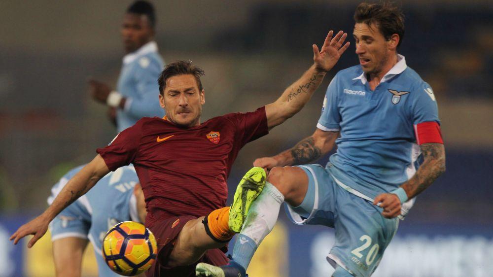 """Lazio, Peruzzi risponde a Totti: """"Noi non pensiamo a distruggere... """""""