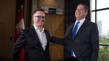 Former Liberal minister seeks party leadership after almost decade away from politics