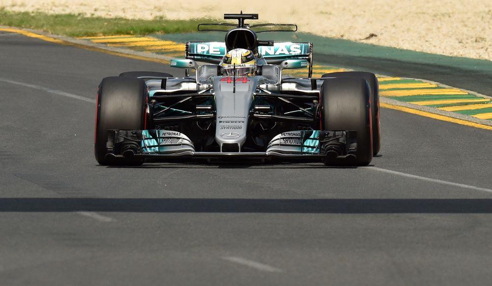 GP d'Australie: la première pole pour Hamilton, Grosjean placé