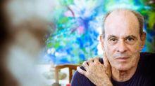 Ney Matogrosso lembra relação a três e confessa: 'Era viciado em sexo'