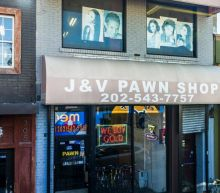 Government shutdown: US federal workers turn to pawn shops for cash as stalemate goes on