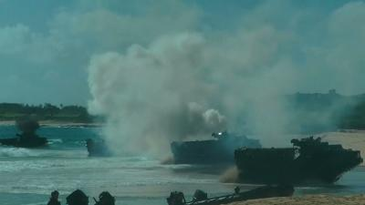 Raw: Amphibious Landing Practice in Hawaii