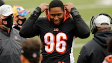 Carlos Dunlap argues with coach, says after Bengals' loss to Browns he wants to sell home