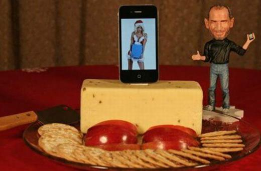 iPhone cheese dock, just in time for the holidays