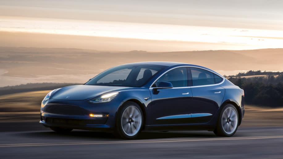 為了簡化生產提高效率,現行款Tesla Model 3皆採用後輪驅動設定