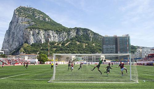 International: Gibraltar bekommt UEFA-taugliches Fußballstadion