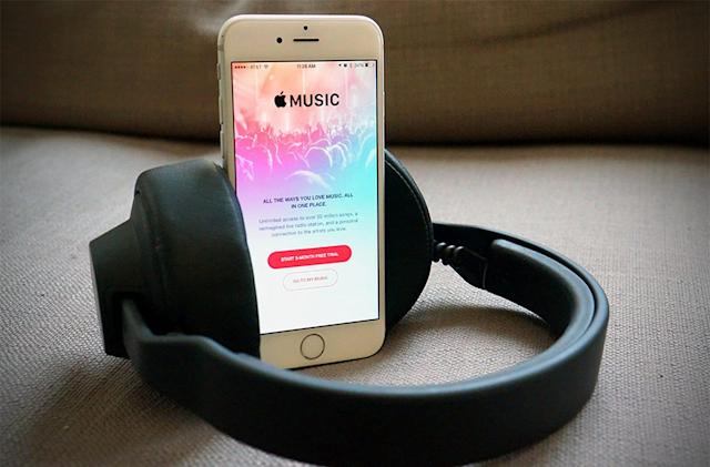 Apple eyes streaming terms on par with Spotify's label deals