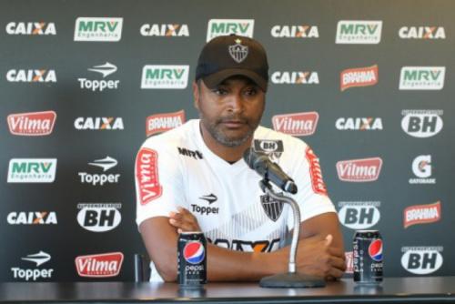 Roger Machado deixa o comando do Atlético-MG após revés para o Bahia