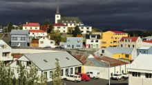 Tourists annoy Icelanders by knocking on doors requesting free place to stay