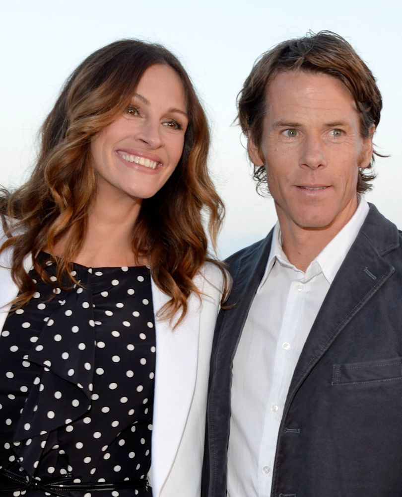 Julia Roberts and Danny Moder attend a 2012 charity event. (Photo: Lester Cohen/WireImage)