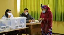 Mapuches votan en Chile por una nueva constitución que salde deuda histórica