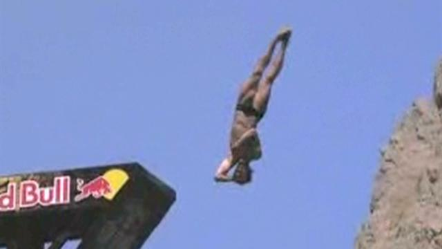 British champ wins third Cliff Diving World Series