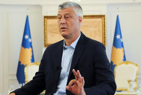 Kosovo far ny president