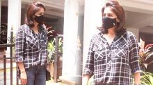 Neetu Kapoor spotted outside a clinic in Bandra; Watch video