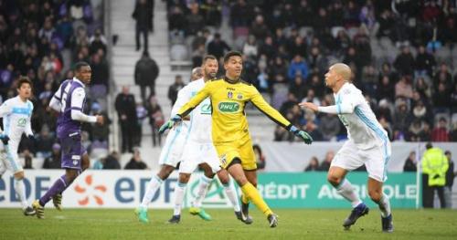 Foot - L1 - TFC - Elie Baup voit Alban Lafont à l'OM