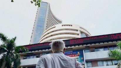 Sensex falls nearly 500 points: Reasons for plunge