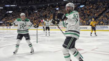 Stars push Preds to the brink with Game 5 win