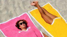 Neuer schräger Beach-Trend: Der Towelkini