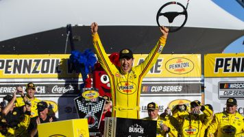 Lucky in Las Vegas? Logano's gamble pays off