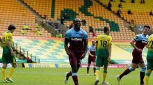 Com quatro gols de Michail Antonio, West Ham vence e rebaixa o Norwich
