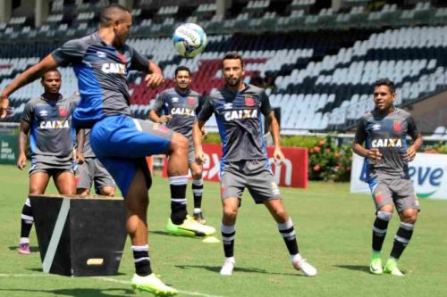 Vasco finaliza preparação para o clássico contra o Flamengo