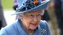 Zu indiskret? Queen entlässt BH-Hoflieferant