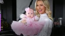 """Ana Paula Siebert sofre ao ver filha de 3 meses ser vacinada: """"Foi horrível"""""""