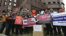 Over 1,000 protest against EU move to ban palm oil biofuel