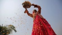 India rice prices dip on rupee dive, fresh supply prospects weigh on Thai rates