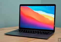 Apple's MacBook Air M1 returns to record low of $899