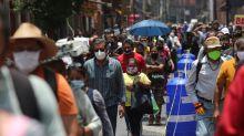México reporta nuevo récord diario de contagios de coronavirus, muertes suben a 32,796