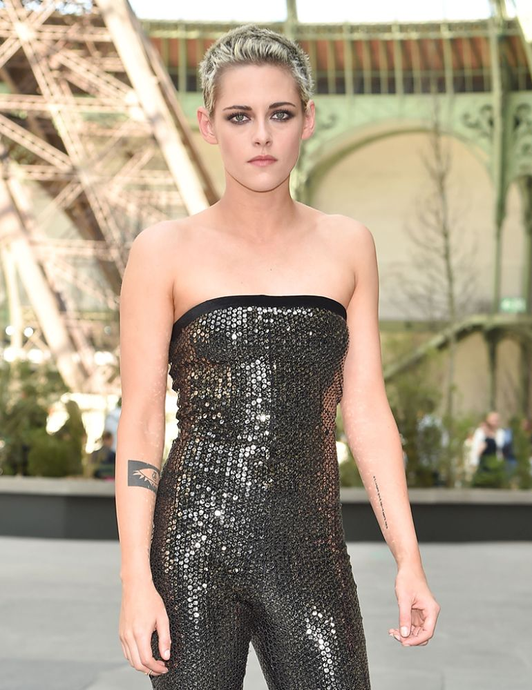 Kristen Stewart attends the Chanel show at Paris Fashion Week. (Photo: Stephane Cardinale - Corbis/Corbis via Getty Images)