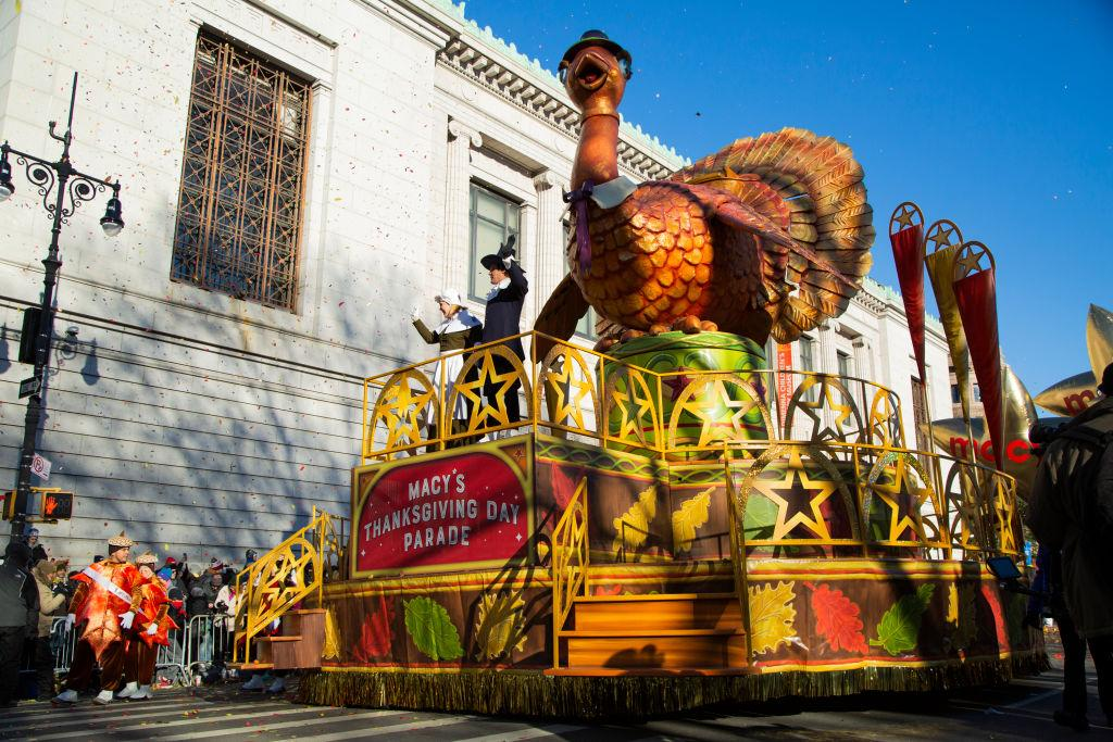 Watch the Macy's Thanksgiving Day Parade 2019 live in a special 360° broadcast by Verizon