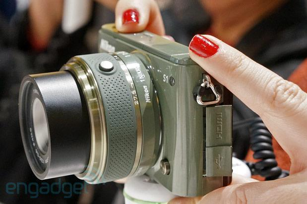 Nikon J3 and S1 hands-on (video)