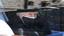 Rainha Elizabeth fala de tristeza em primeiro aniversário sem Philip em 70 anos