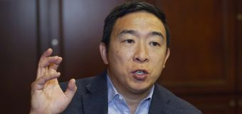 Andrew Yang: Alyssa Milano's 'facts are wrong'