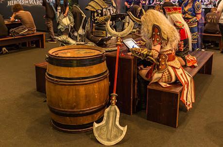 New Warcraft wallpaper, costumes, art and comic updates