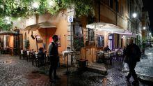 Restaurants, bars et télétravail : l'Italie renforce les mesures anti-Covid