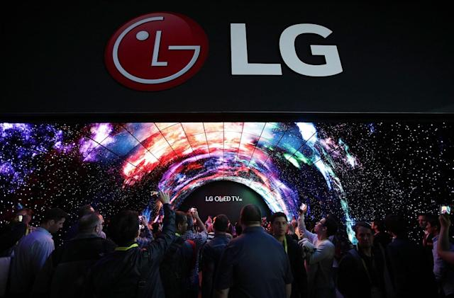 Live from LG's CES 2018 press conference!