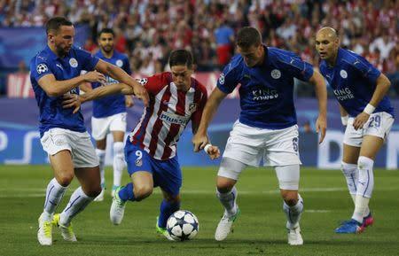 La defensa del Leicester, bajo mínimos para la vuelta frente al Atleti