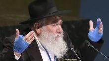 Rabbi hurt in California synagogue shooting admits fraud